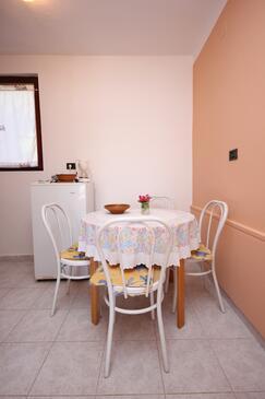 Mali Lošinj, Jedáleň v ubytovacej jednotke studio-apartment, dopusteni kucni ljubimci i WIFI.