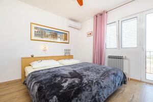 Ferienwohnungen und Zimmer mit Parklplatz Mali Losinj (Losinj) - 2495