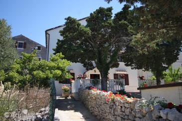 Ćunski, Lošinj, Property 2498 - Apartments and Rooms with pebble beach.