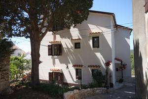 Apartments and rooms with parking space Ćunski, Lošinj - 2498