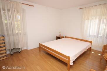 Ćunski, Bedroom in the room, WIFI.