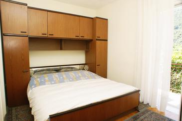 Trpanj, Bedroom in the room.