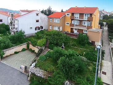 Cres, Cres, Property 2510 - Apartments near sea with pebble beach.
