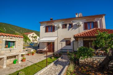 Cres, Cres, Property 2512 - Rooms with pebble beach.