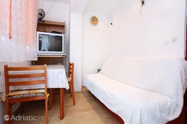 Žuljana, Jedáleň v ubytovacej jednotke apartment, klimatizácia k dispozícii a WiFi.