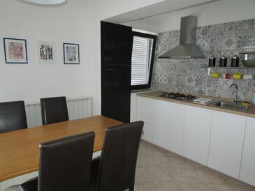 Dining room    - A-2528-b