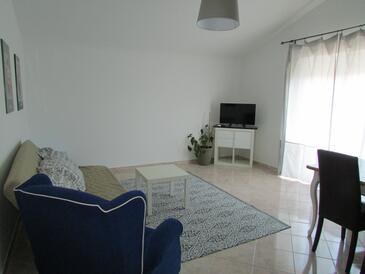 Living room    - A-2528-b