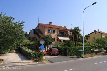 Umag, Umag, Property 2530 - Rooms with sandy beach.