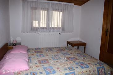 Novigrad, Bedroom in the room, dopusteni kucni ljubimci.
