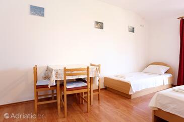 Žuljana, Salle à manger dans l'hébergement en type studio-apartment, WiFi.