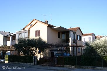 Umag, Umag, Property 2543 - Apartments with sandy beach.