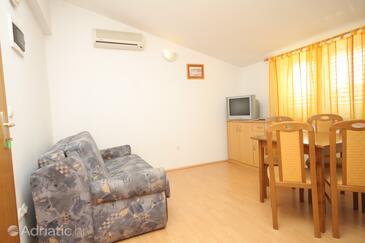 Living room    - A-2548-b
