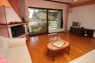 Umag, Obývací pokoj v ubytování typu apartment, dostupna klima i WIFI.