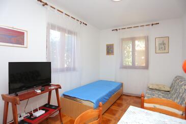 Slatine, Obývacia izba v ubytovacej jednotke apartment, dostupna klima, dopusteni kucni ljubimci i WIFI.