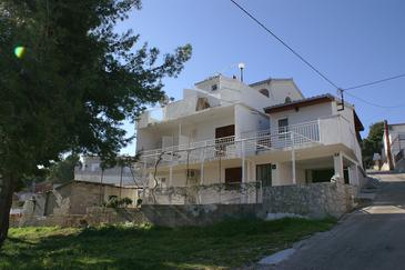 Slatine, Čiovo, Property 2570 - Apartments with pebble beach.