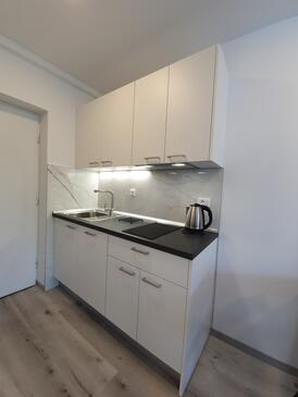 Baška Voda, Kuchyňa v ubytovacej jednotke studio-apartment, WiFi.