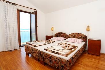 Trpanj, Sypialnia w zakwaterowaniu typu room, Dostępna klimatyzacja, zwierzęta domowe są dozwolone i WiFi.