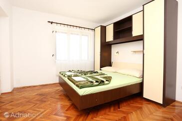 Trpanj, Ložnice v ubytování typu room, domácí mazlíčci povoleni a WiFi.