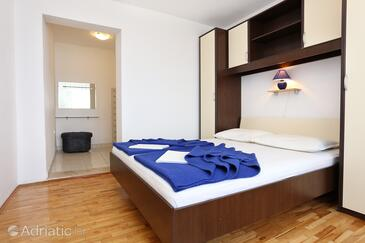 Trpanj, Bedroom in the room, (pet friendly) and WiFi.