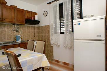 Podaca, Столовая в размещении типа apartment, WiFi.