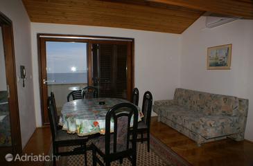 Drašnice, Dining room in the apartment, dopusteni kucni ljubimci.
