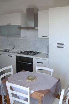 Podgora, Dining room in the apartment, dostupna klima i WIFI.