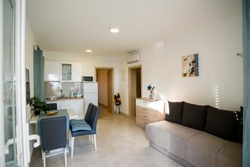 Promajna, Obývací pokoj v ubytování typu apartment, s klimatizací a WiFi.