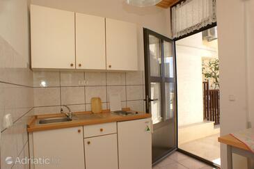 Živogošće - Mala Duba, Kitchen in the apartment, WiFi.