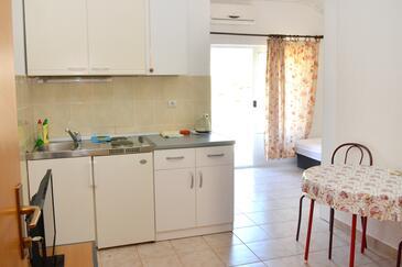 Podaca, Dining room in the studio-apartment, WiFi.