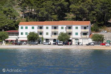 Drvenik Donja vala, Makarska, Property 2619 - Apartments near sea with pebble beach.