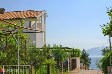 Podaca, Makarska, Obiekt 2621 - Apartamenty przy morzu ze żwirową plażą.