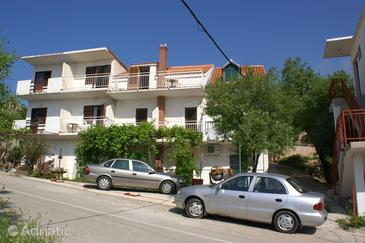 Igrane, Makarska, Property 2622 - Apartments near sea with pebble beach.