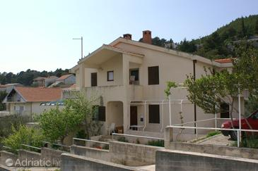 Krvavica, Makarska, Property 2629 - Apartments with pebble beach.