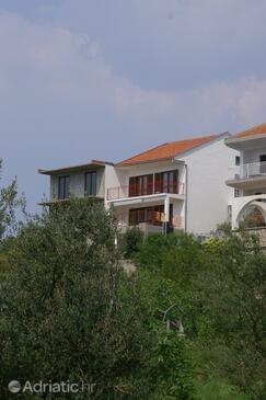 Podaca, Makarska, Property 2635 - Apartments near sea with pebble beach.