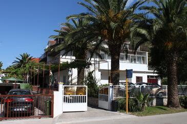 Zaostrog, Makarska, Obiekt 2638 - Kwatery przy morzu z kamienistą plażą.