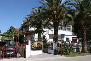 Zaostrog, Makarska, Property 2638 - Apartments and Rooms near sea with rocky beach.