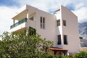 Promajna, Makarska, Property 2642 - Apartments near sea with pebble beach.