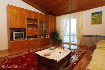 Drašnice, Living room in the apartment, air condition available and (pet friendly).