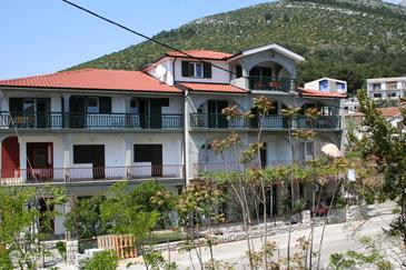 Zaostrog, Makarska, Property 2649 - Apartments near sea with rocky beach.