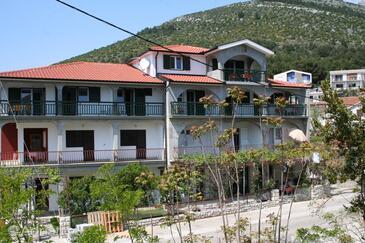 Zaostrog, Makarska, Property 2649 - Apartments near sea with rocky beach.