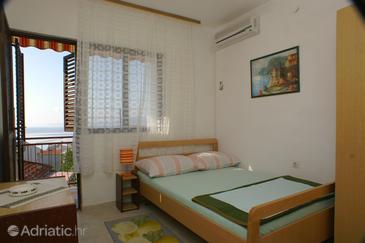 Igrane, Bedroom in the room, dostupna klima i dopusteni kucni ljubimci.