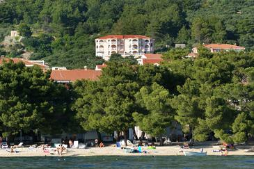 Tučepi, Makarska, Property 2658 - Apartments with pebble beach.