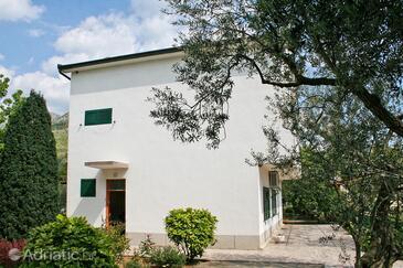 Zaostrog, Makarska, Property 2661 - Apartments and Rooms near sea with rocky beach.