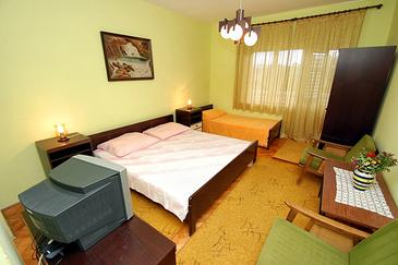 Zaostrog, Спальня в размещении типа room, доступный кондиционер, Домашние животные допускаются и WiFi.
