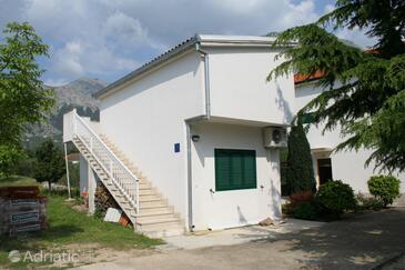 Zaostrog, Makarska, Объект 2663 - Апартаменты вблизи моря со скалистым пляжем.