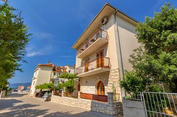 Podgora, Makarska, Obiekt 2668 - Apartamenty przy morzu ze żwirową plażą.