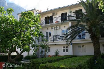 Baška Voda, Makarska, Property 2675 - Apartments and Rooms near sea with pebble beach.