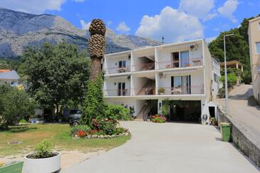 Tučepi, Makarska, Property 2676 - Apartments with pebble beach.