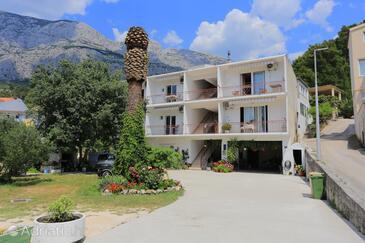 Tučepi, Makarska, Property 2676 - Apartments with pebble beach.