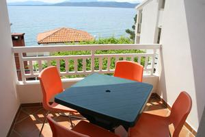 Apartments by the sea Igrane (Makarska) - 2680